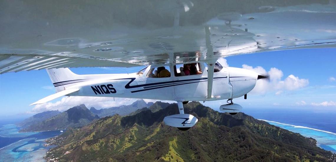 https://tahititourisme.com.au/wp-content/uploads/2017/08/C3P-Cessna-above-Moorea.jpg