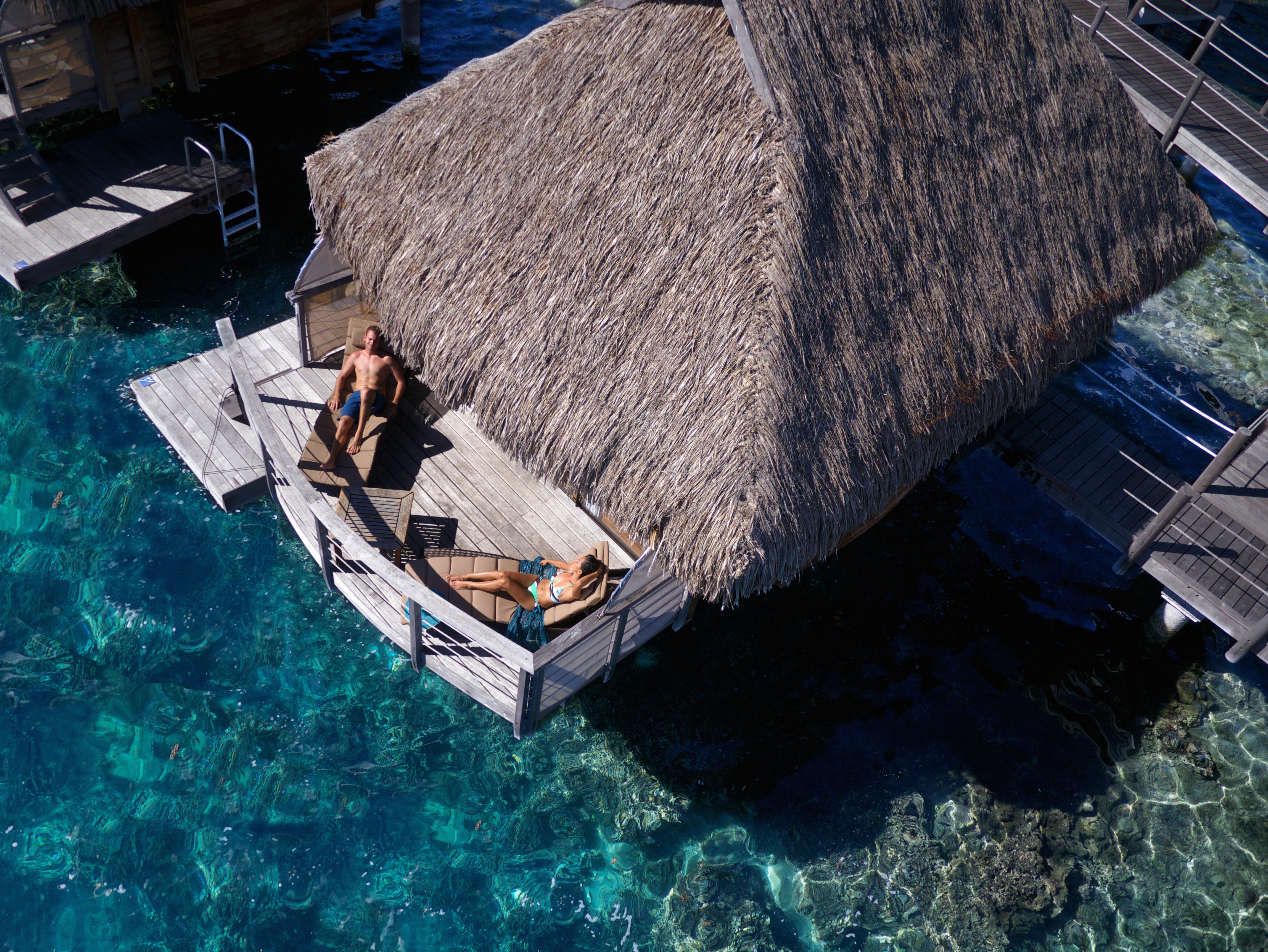 https://tahititourisme.com.au/wp-content/uploads/2017/08/HEBERGEMENT-Manava-Beach-Resort-and-Spa-Moorea-3-Tim_McKenna.jpg