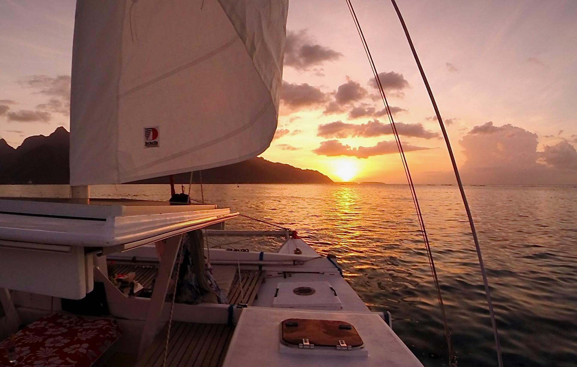 https://tahititourisme.com.au/wp-content/uploads/2017/08/Voila-Moorea-Sunset-from-the-hull.jpeg