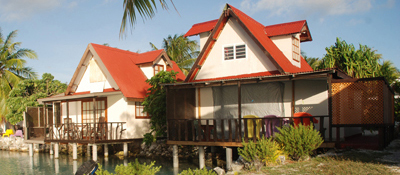 https://tahititourisme.com.au/wp-content/uploads/2017/08/bungalow-lagon.jpg