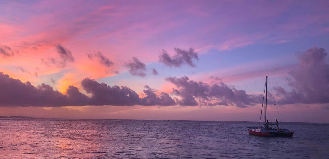 https://tahititourisme.com.au/wp-content/uploads/2017/08/voilamoorea_sunset_1140x550.png