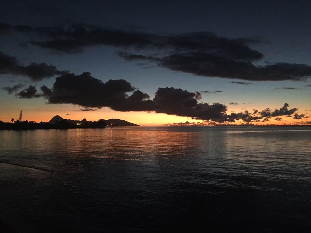https://tahititourisme.com.au/wp-content/uploads/2017/09/Mer-coucher-de-soleil.jpg