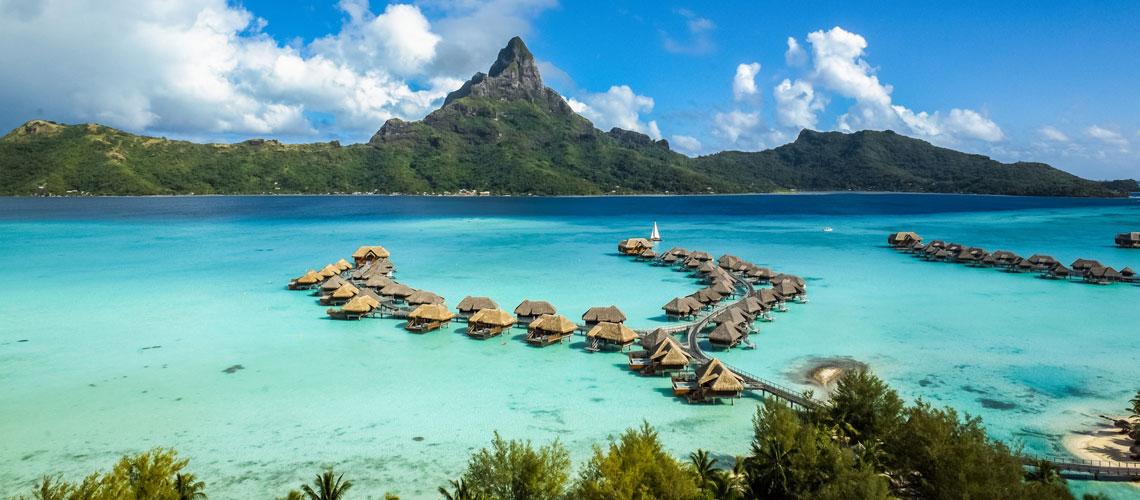 https://tahititourisme.com.au/wp-content/uploads/2017/11/InterContinental-Bora-Bora-Resort-Thalasso-Spa-1.jpg