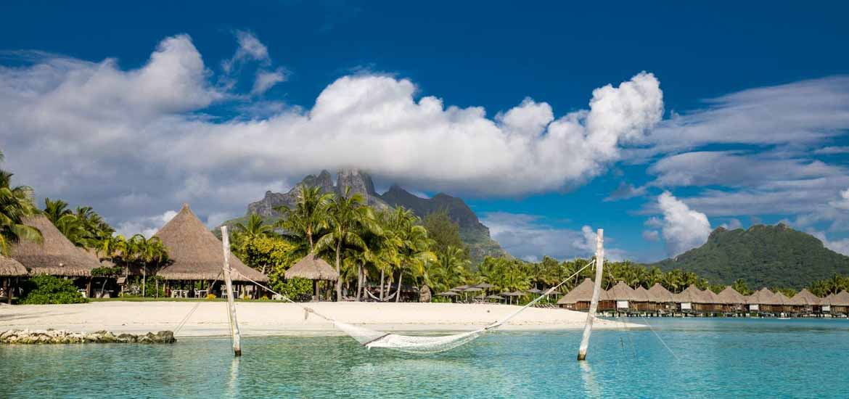 https://tahititourisme.com.au/wp-content/uploads/2017/11/St-Regis-Bora-Bora-03.jpg