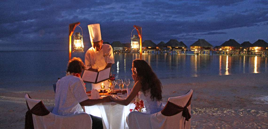 https://tahititourisme.com.au/wp-content/uploads/2017/12/Romantic-Dinner-on-the-beach_600.jpg