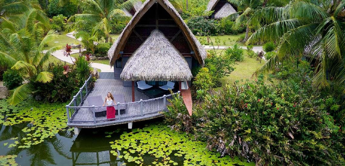 https://tahititourisme.com.au/wp-content/uploads/2017/12/premium-bungalows-lake-_16767319042_o_600.jpg