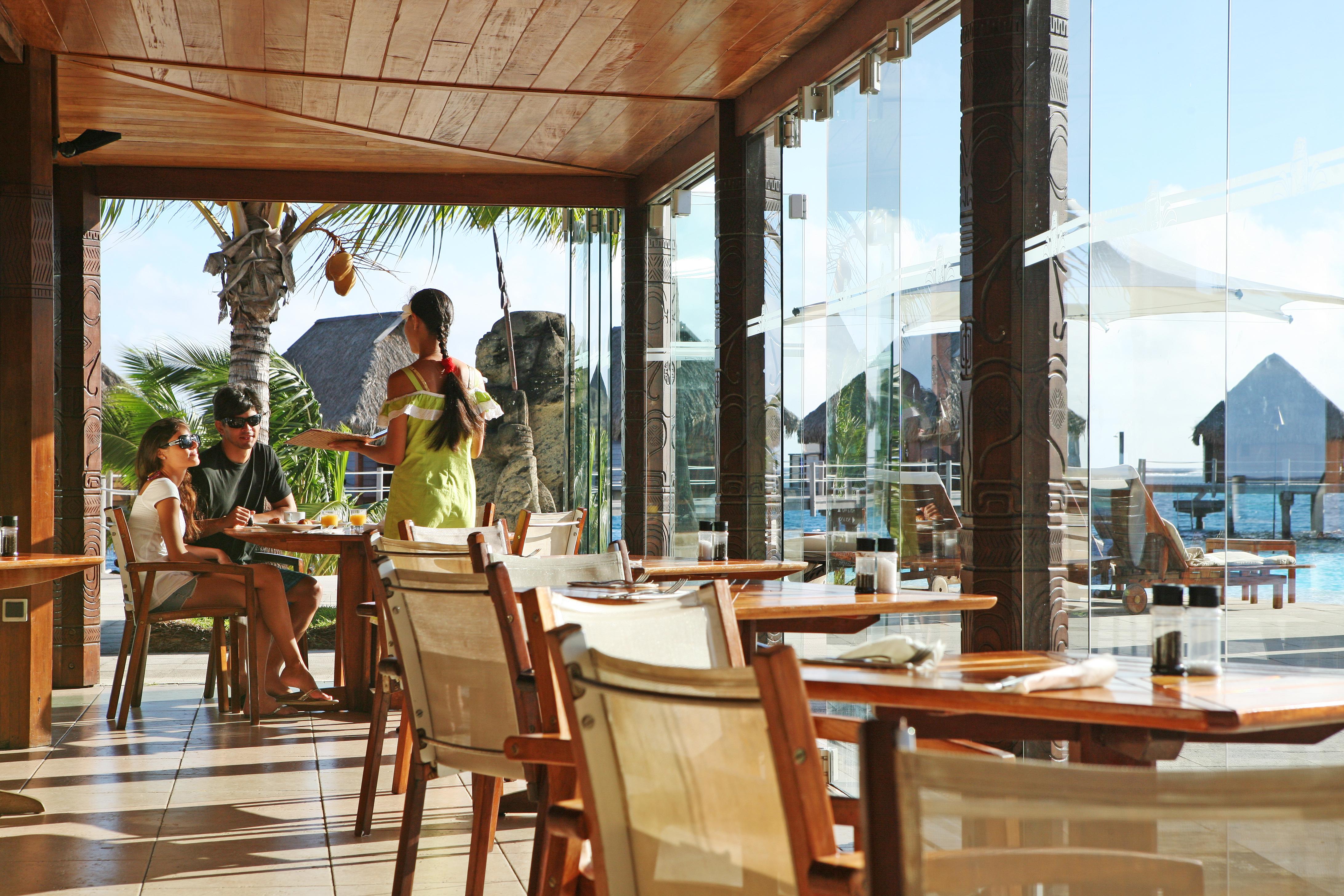 https://tahititourisme.com.au/wp-content/uploads/2018/03/RESTAURATION-Restaurant-Mahanai-3-Greg_LeBacon.jpg