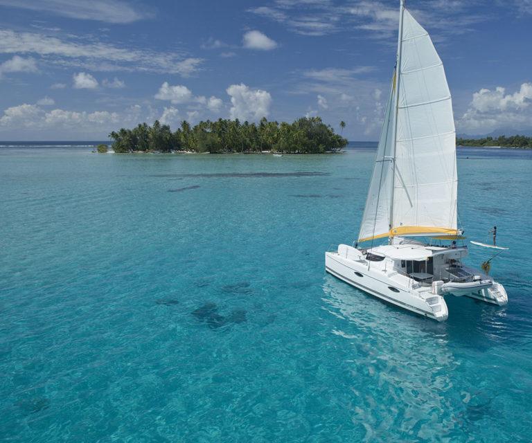 Land & Sea – Catamaran cruise in Huahine
