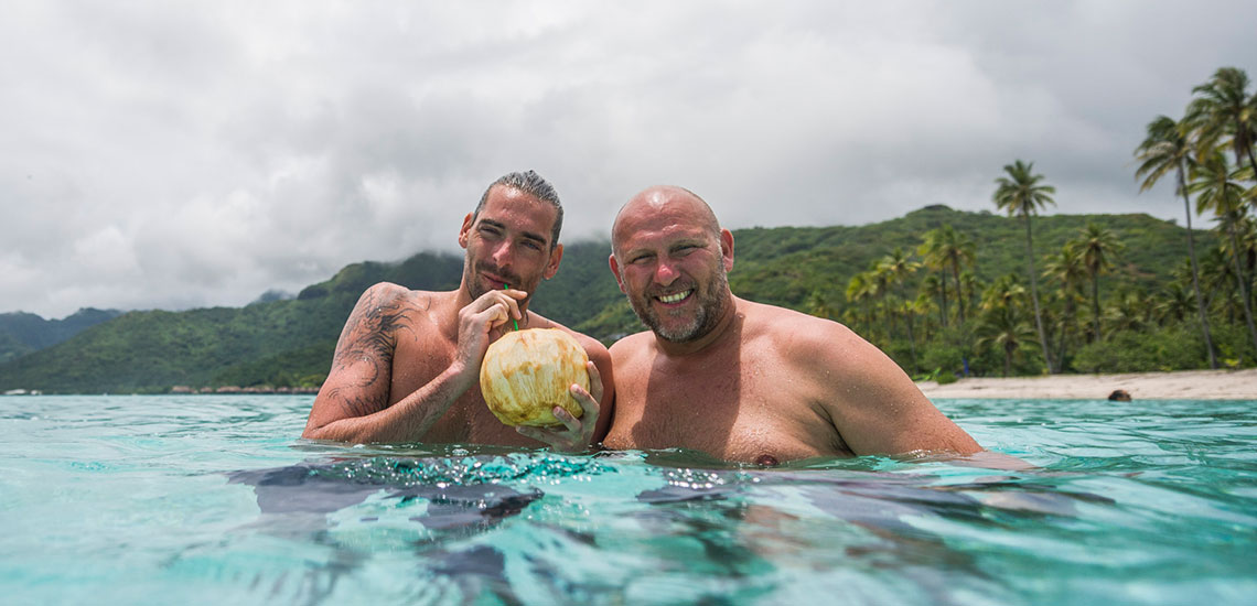 https://tahititourisme.com.au/wp-content/uploads/2019/05/Tahiti-Swimming-Experience-®-2.jpg