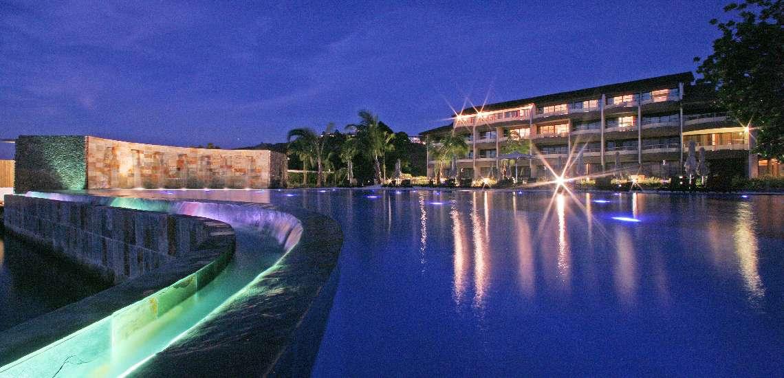 https://tahititourisme.com.au/wp-content/uploads/2019/06/685-hiResolution-Manava_suite_resort_tahiti_night_piscine_600-1.jpg