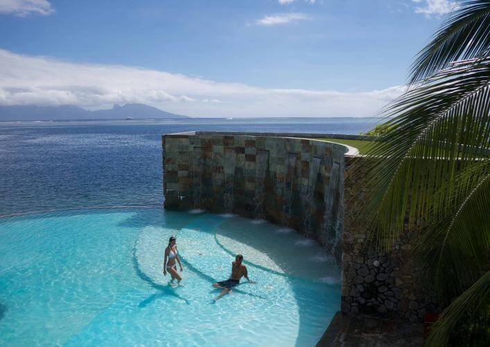 https://tahititourisme.com.au/wp-content/uploads/2019/08/manava_suite_resort_tahiti_-_pool_1.jpg