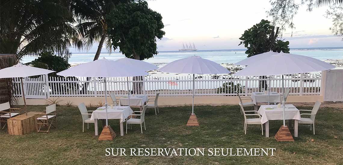 https://tahititourisme.com.au/wp-content/uploads/2019/11/LAGOON-BEACH-TABLE-DHOTES-1140x550.jpg