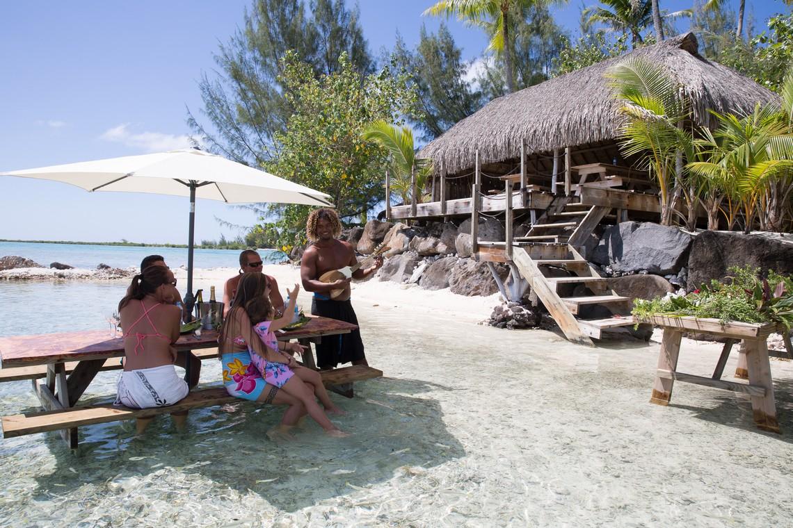 https://tahititourisme.com.au/wp-content/uploads/2020/11/Lagoon-Srvice-Bora-Bora-3.jpg