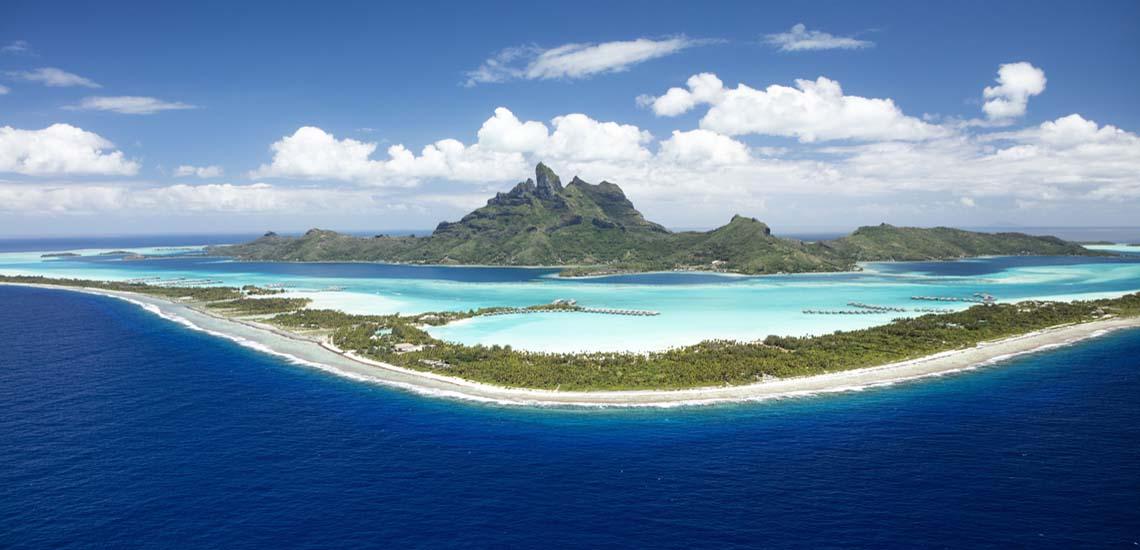 https://tahititourisme.com.au/wp-content/uploads/2021/08/P2_08_BORA-BORA_Bora-Bora-2-©-Gregoire-Le-Bacon-Tahiti-Nui-Helicopters1140.jpg